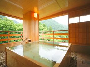 かがり吉祥亭 眺望絶佳の客室の露天風呂