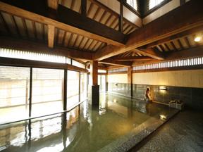 あわらグランドホテル 庭園大浴場「式部の湯」大浴槽