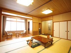 あわらグランドホテル 気心の知れた仲間で泊まりたい広々とした間取りの和室
