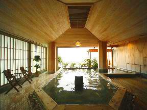日本の宿のと楽 海を眺めながら多彩な風呂で温泉三昧