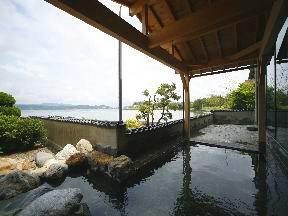 宿守屋寿苑 「魚太の湯」露天風呂