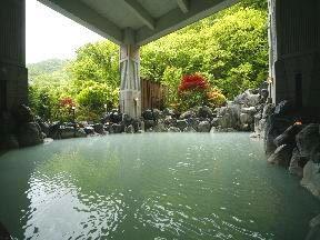 ホテルまほろば 「B2大浴場」硫黄泉浴槽
