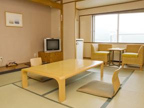 草津温泉ホテルリゾート ゆっくりくつろげるスタンダード和室は眺望抜群