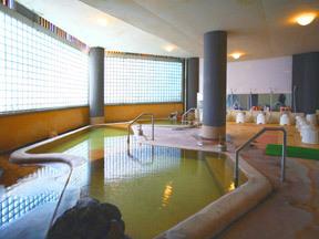 赤倉ホテル 「楽々之湯」の女性用大浴場は趣のある造り