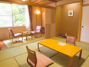 蔵王国際ホテル 暖かな色使いが安らぎを導くスタンダードな和室