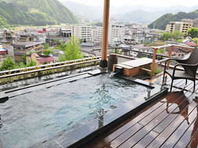 水が織りなす越後の宿 双葉 「空の湯」ままらくの露天風呂