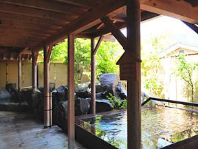湯沢グランドホテル 御婦人露天風呂「庭咲きの湯」