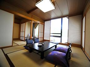 湯沢グランドホテル 二間ある和室はファミリーにも最適