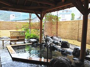 湯沢ニューオータニ 純和風温泉露天風呂