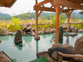 白玉の湯華鳳 殿方用露天風呂「岩の庭園露天風呂」