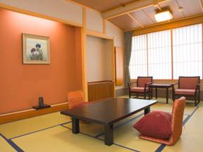 ホテル清風苑 木の香り漂う京風の部屋