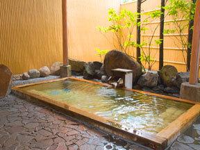 ホテル清風苑 殿方用庭園大浴場「殿の湯」(ひのき露天風呂)