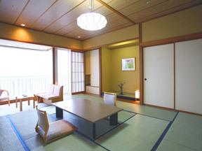 夕映えの宿汐美荘 本館の基本客室はゆったりとした間取りの12.5畳