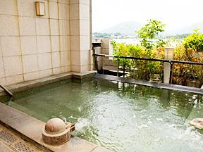 ホテル湖龍 芳華の湯 福寿桜(女性用)展望露天風呂