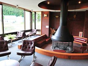 湯沢パークホテル ラウンジ「朱鷺」は外国のような雰囲気