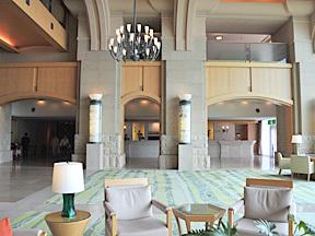 ザ・ウィンザーホテル洞爺リゾート&スパ 洗練されたロビー