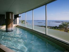 白浜オーシャンリゾート(旧:リゾートイン白浜) 太平洋を一望する温泉展望大浴場