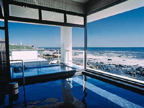 犬吠埼温泉ぎょうけい館 太平洋が一望できる広々とした大浴場