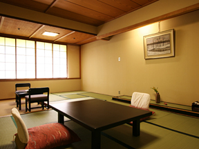 原瀧 落ち着いた雰囲気の、風情ある和室