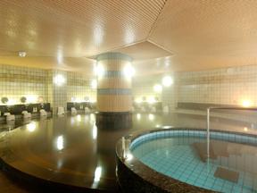 金沢白鳥路 ホテル山楽 広い女性大浴場。美肌効果が期待できる