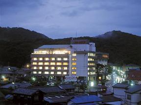 ホテルふせじま 三方には山々、眼下には関東平野が