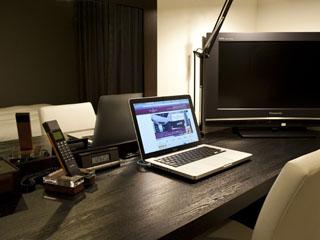 ウォーターマークホテル札幌 ビジネスに最適なワイドデスクカンウンター