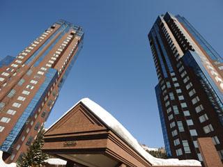 星野リゾート リゾナーレ トマム 夏と冬限定の「リゾナーレ トマム」棟は、ワンフロアーにたった4室というレイアウト。