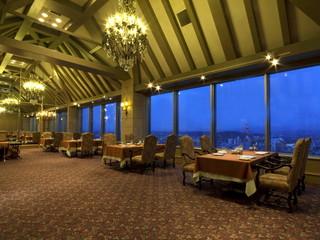 星野リゾート 旭川グランドホテル 最上階フレンチレストラン「シャンドール」