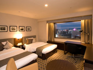 京王プラザホテル札幌 「ダンディ・シック」をコンセプトにした寛ぎの時間が流れる、落ち着いた大人の空間