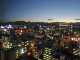 札幌全日空ホテル(2017年12月1日より:ANAクラウンプラザホテル札幌) 最上階バーラウンジからの夜景