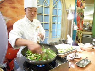 札幌全日空ホテル ホットケーキや卵料理など、シェフの日替わり実演メニューも人気です