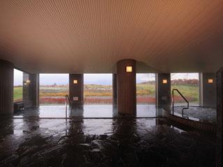 富良野リゾートオリカ 見晴らしの良い広々とした大浴場