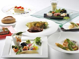 富良野リゾートオリカ オリカディナーはメイン料理をお客さまが選べるプリフィックススタイル