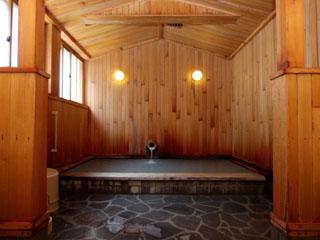 酸ケ湯温泉旅館 洗い場の設備ありの小浴場