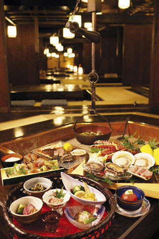 ホテル森の風鶯宿 囲炉裏を囲んで食事ができる囲炉裏レストラン「さんさ亭」