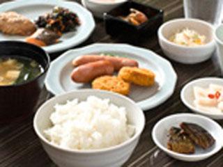 中通温泉 こまちの湯 ドーミーイン秋田 レストランの朝食バイキングでは和食と洋食をお好みで自由に選べます