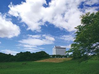 りんどう湖ロイヤルホテル 那須の大自然に包まれておいしい空気とおいしいお料理をお召し上がり下さい。