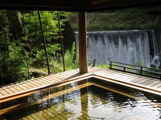 かやぶきの郷薬師温泉旅籠 滝見乃湯