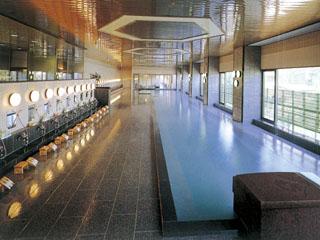 ホテル櫻井 源泉100%かけ流しの草津最大級規模の大浴場