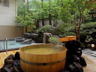 四万グランドホテル 男性 岩舟の湯