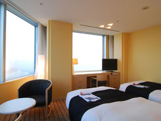 アパホテル&リゾート<東京ベイ幕張> 1001室、全室オーシャンビュー、東京湾一望