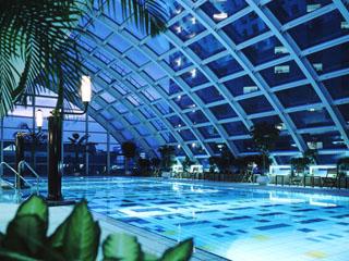 ホテルニューオータニ幕張 会員制のスポーツクラブは設備充実