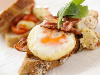 浦安ブライトンホテル東京ベイ 洋食の朝食ブッフェの人気メニュー「DEKITATEオープンサンド」