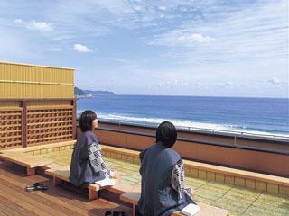 鴨川館 雄大な太平洋を一望の癒やしの足湯「はるか」