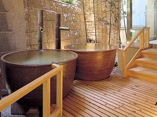 鴨川館 女性浴場の瓶風呂