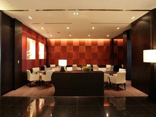 コートヤード・マリオット銀座東武ホテル スタイリッシュなインテリアを配したロビーラウンジ
