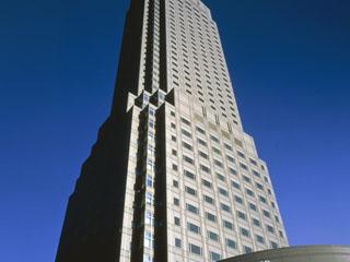 セルリアンタワー東急ホテル 和のテイストがちりばめられたシンプルモダンな空間。素晴らしい眺望と、きめ細かなサービスが深いくつろぎへと誘います。