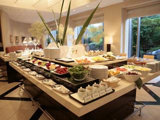 セルリアンタワー東急ホテル 朝食は館内のレストランでブッフェ又は和朝食を