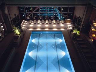 パークハイアット東京 47階「クラブオンザパーク」プール