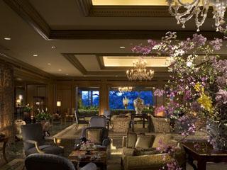 ホテル椿山荘東京 ヨーロピアンエレガンスな雰囲気のロビー